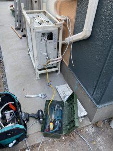 練馬区エアコン2段置き工事