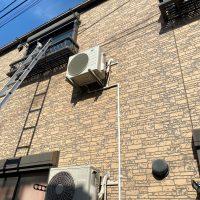 中野区エアコン工事 室外機壁面 壁掛け 隠蔽配管