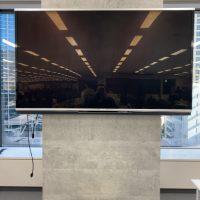 テレビ壁掛け、液晶テレビ壁掛け、薄型テレビ壁掛け、テレビ天吊り工事